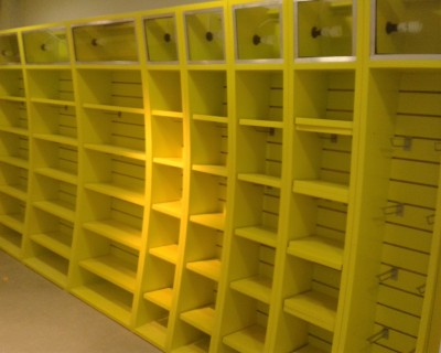 moveis-loja-fabrica-expositor-iluminado-laca