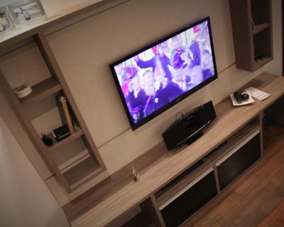 painel-tv-rack-sala-vidro