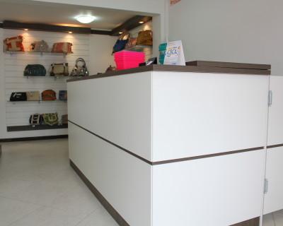 loja-bijouteria-painel-canaeltado-moveis