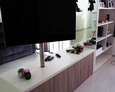 Rack tv com tubo giratorio